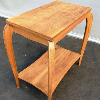 Table de salon Art Déco 1925 à 2 plateaux Noyer -  85 euros