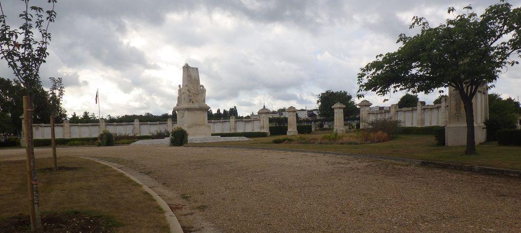 MONUMENT AUX MORTS DE LA VILLE DE ROUEN - CIMETIERE SAINT SEVER