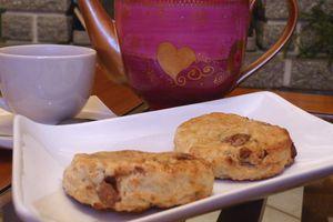 Scones Mogador, fruit de la passion-chocolat au lait inspirés de Pierre Hermé
