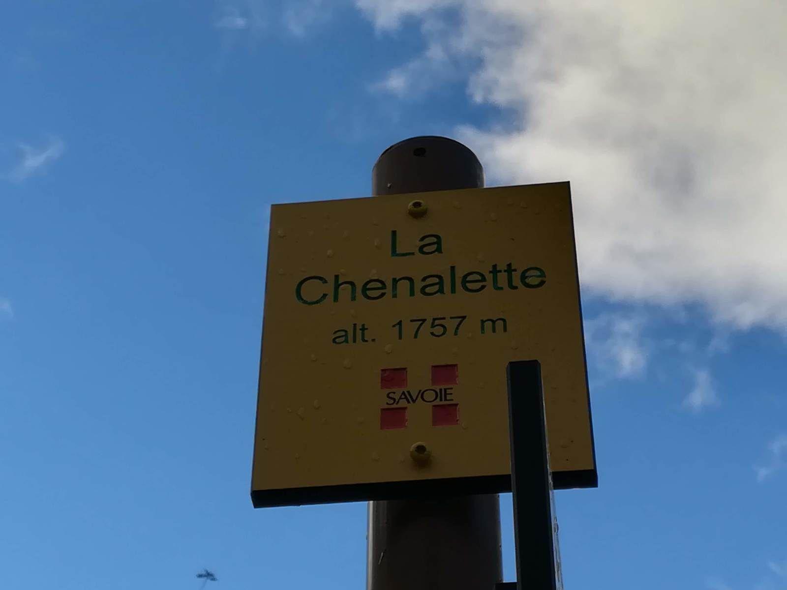 Le départ se fait au parking de La Chenalette 1757 m