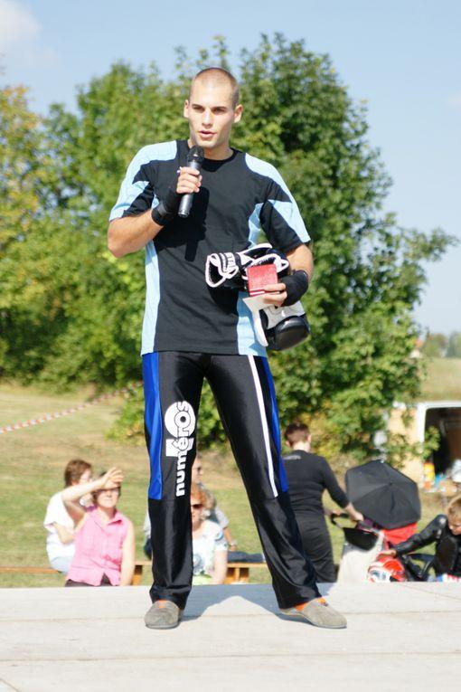 Septembre 2009 - 1er forum des associations - Aigueperse Vous avez d'autres photos, envoyez-les nous, nous les publierons.