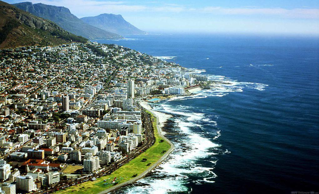 Imágenes de la última ciudad africana en el extremo austral del continente, donde acaba África. Ciudad de El Cabo, Sudáfrica.- El Muni.