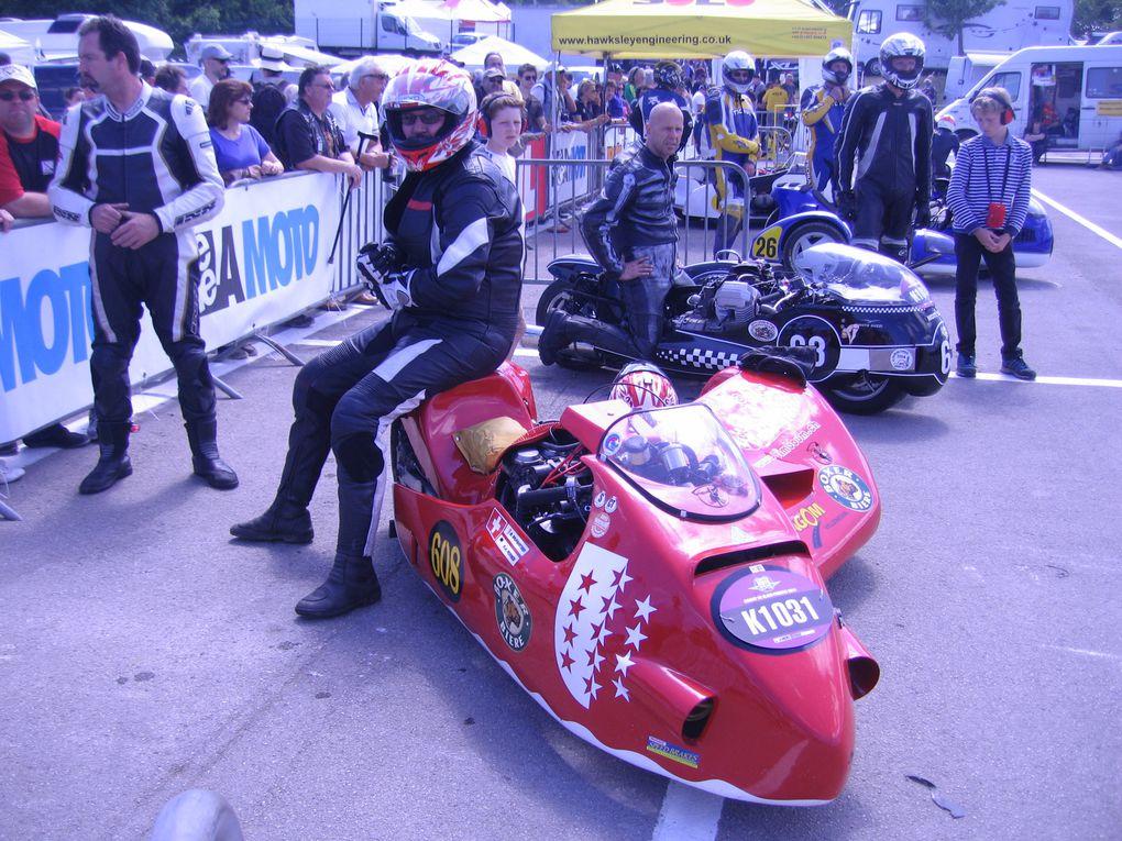 Coupes moto Légende 2014  Dijon Prenois photos padoock Démonstrations moto et side car sur piste circuit