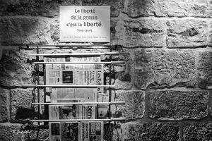 En France, la presse défend - à moitié - sa liberté