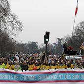 Paris : plusieurs milliers de personnes manifestent contre l'avortement