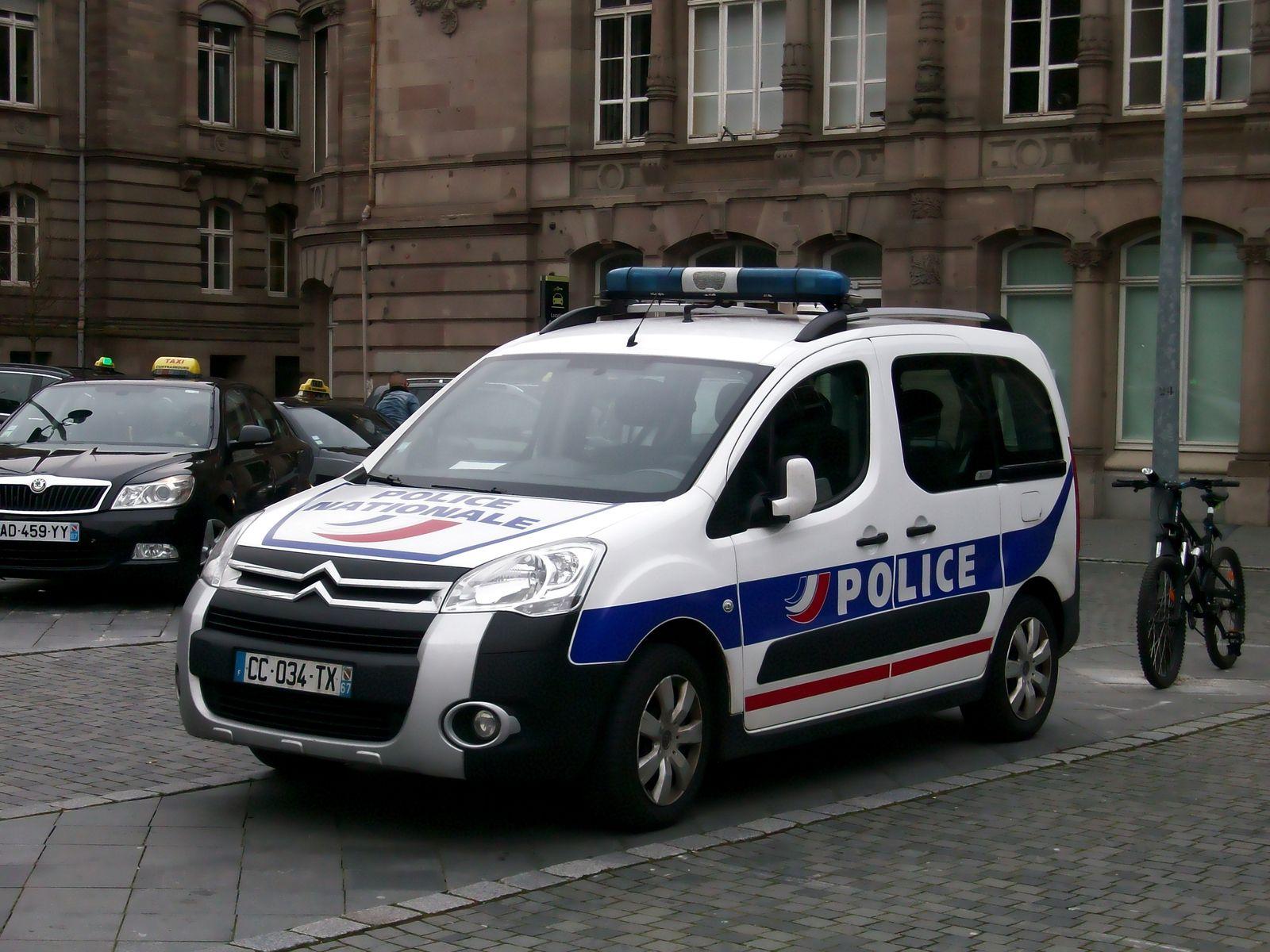 Un enfant de 12 ans dans le coma après avoir été percuté par une voiture de police à Blanc-Mesnil