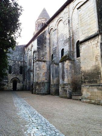 Saintes : abbaye des Dames.