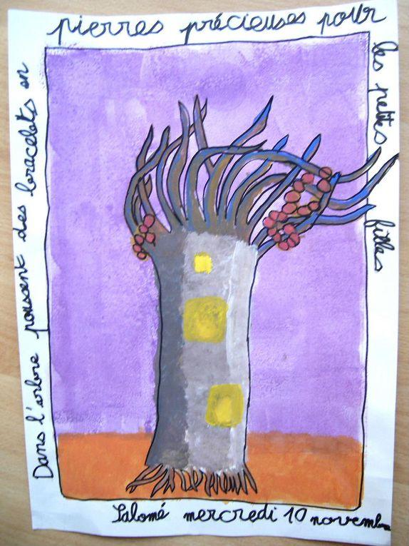 Les arrbres ont été réalisés à la gouache dans le cadre de l'Art'elier à Annecy. Chacun des arbres nous dévoile une surprise.
