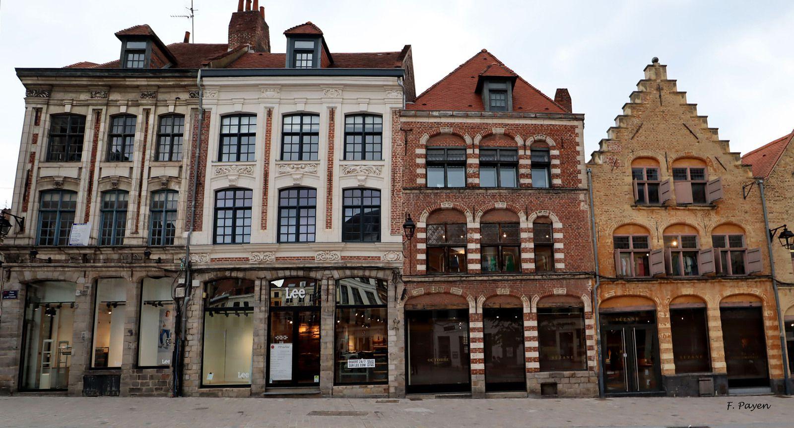 place Louise-de-Bettignies, Lille