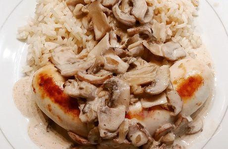 Boudin blanc avec sauce aux champignons