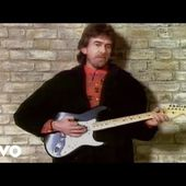 George Harrison - Official site with news, image gallery, links, discography of entire Harrison catalog, audio, video, and other media downloads.