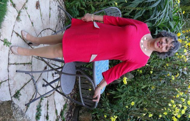 Odella, la robe rétro style Courrèges