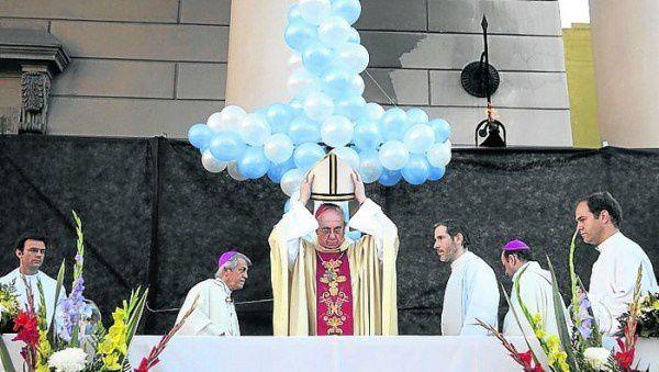 La croix profanée....
