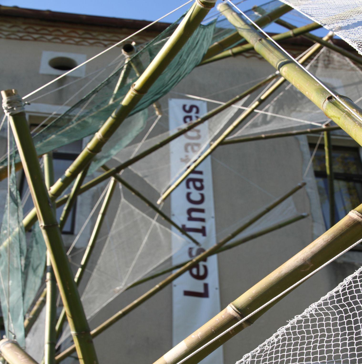 6m x 5m x 3m. Installation créé pour le Centre Culturel de Montaut 40500. Vernissage le 10 juillet 2021