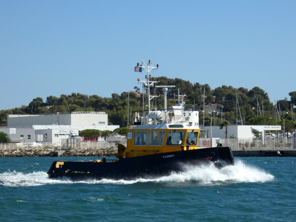 POPEYE , remorqueur marseillais en transit en petite rade de Toulon le 02 septembre 2019