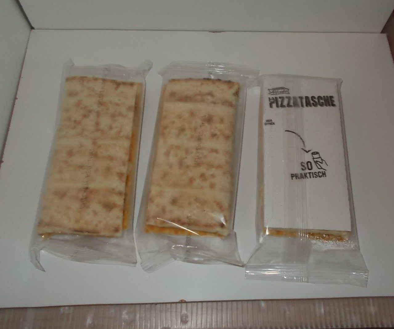 Lidl Alfredo Pizza Pocket Red Thai Curry