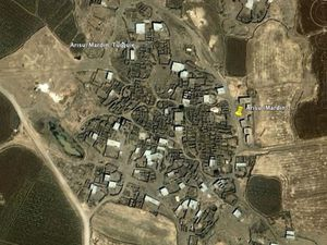 Google Earth screenshots of the village of Arısu (Mazıdagı, Mardin). On the left, in 2004; on the right, covered with snow, in February 2020