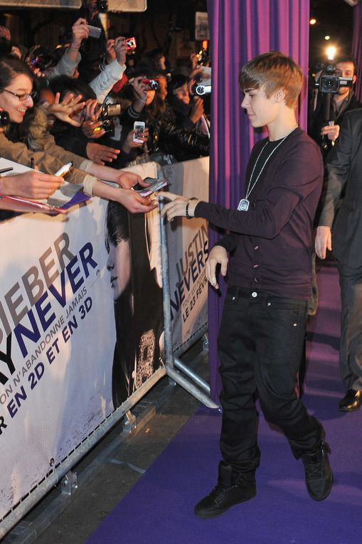 'Justin Bieber: Never Say Never' - Paris Premiere PARIS, FRANCE - FEBRUARY 17: Justin Bieber attends the 'Justin Bieber: Never Say Never' Paris premiere on February 17, 2011 in Paris, France.