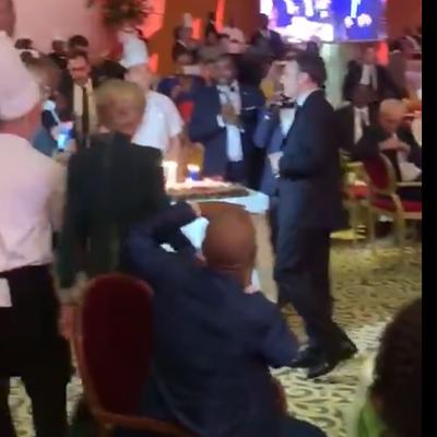 En pleine grève, Macron s'offre un anniversaire luxueux en Côte d'Ivoire