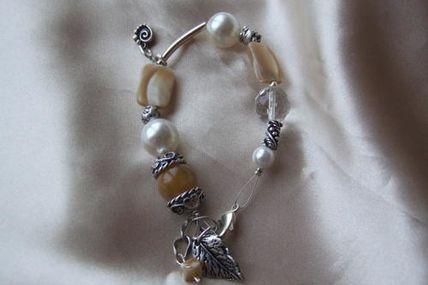 Bracelet B : 10
