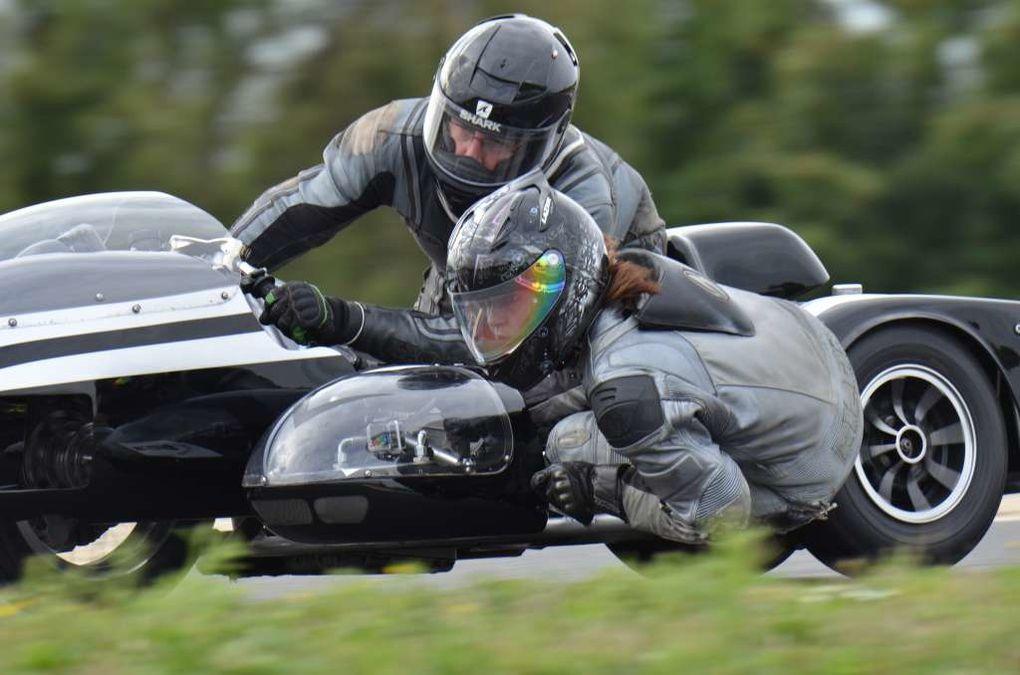 TROPHEES Gerard Jumeaux2013  Photos piste Démonstration motos et sides anciens Circuit Carole