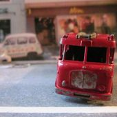 MB9-c. MERRY WEATHER MARQUIS SERIE III FIRE ENGINE LESNEY - car-collector.net