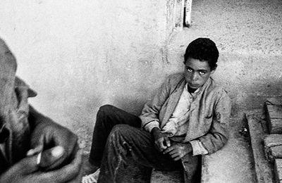 Cinquante ans dans l'ombre de l'histoire - Enquête sur ces harkis restés en Algérie, par Pierre Daum (Le Monde diplomatique - Avril 2015)