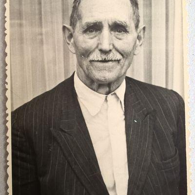 Neagu Gheorghe , Born in 17 April 1882  in Broscauti - Storojinet