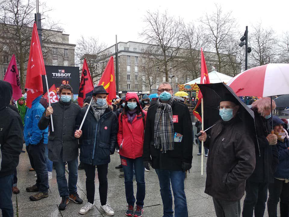 Mobilisation pour l'éducation et la réouverture des facs à Brest - près d'un millier de manifestants le 26 janvier 2021