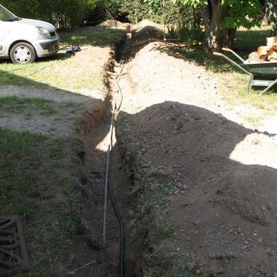De l'eau, des fuites, des tranchées, des racines... et un peu de gaz aussi...