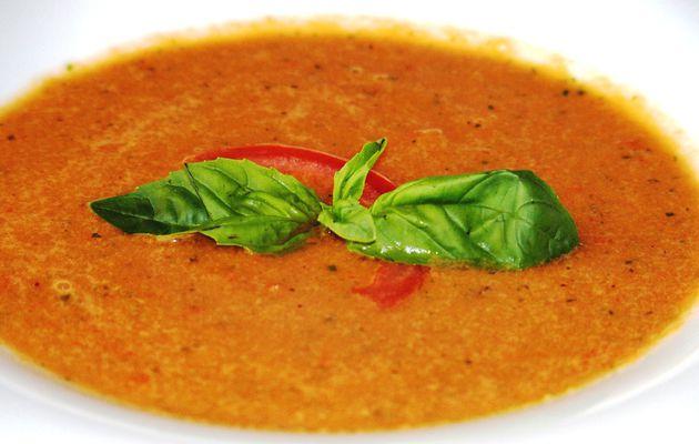 Gaspacho de tomate, poivron et concombre