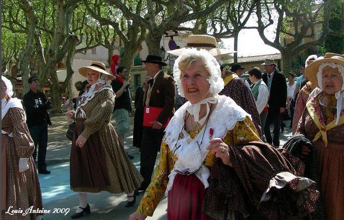 Lou Rampeù a célébré avec émoi et vitalité ses 60 ans de fidélité au folklore tropézien ! 60 années passées à maintenir les traditions de la cité,