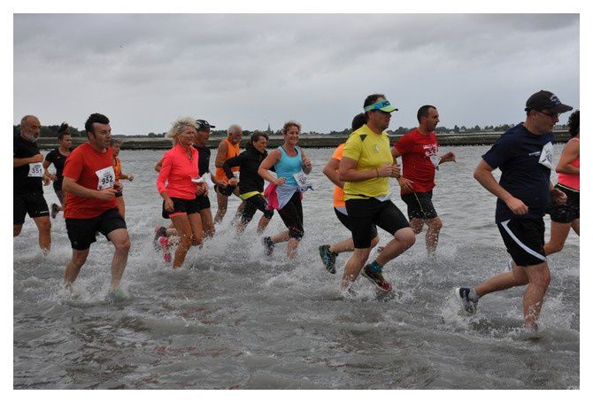 Saint Vaast la HOugue, course du Run 2018 : Premier passage du Run (2/(4)