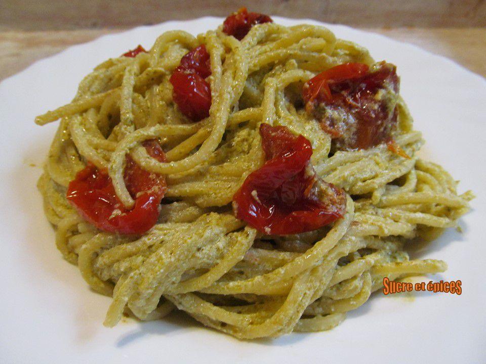 Spaghetti au pesto, à la ricotta et aux tomates cerises