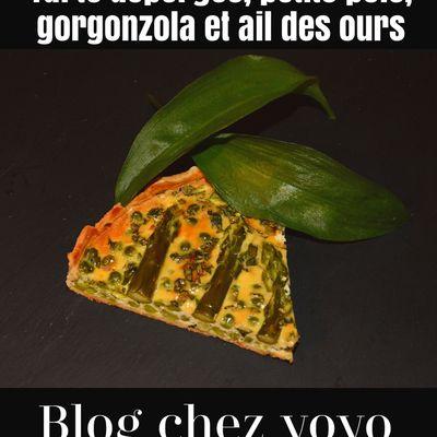 Tarte Verte à l'ail des ours, petits pois, gorgonzola et asperges verte