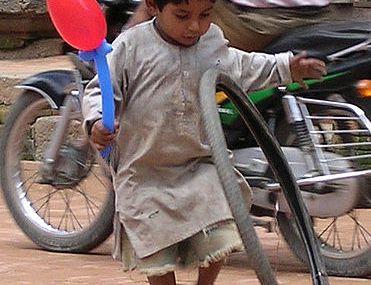 Enfant et le pneu n°6