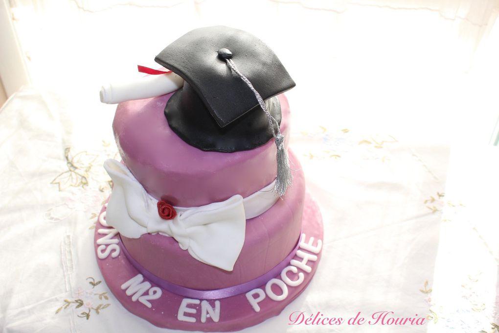 Gâteau génoise avec du chocolat Kinder