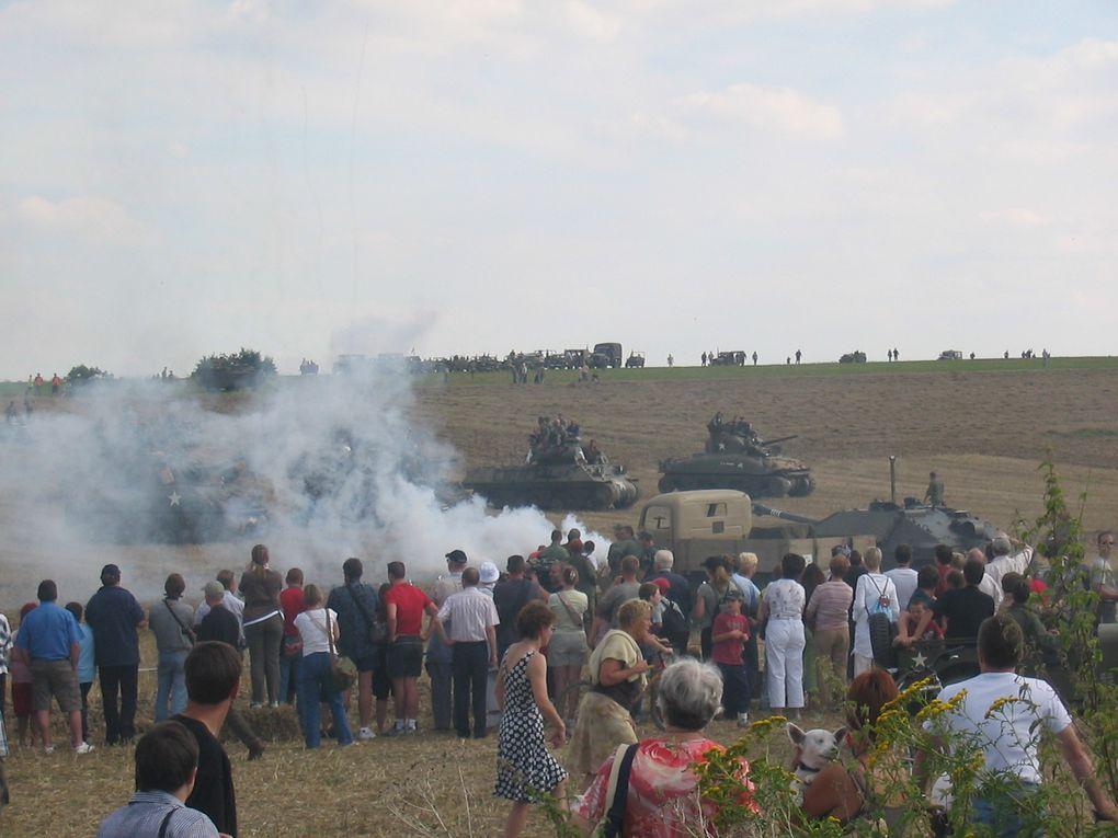 Reconstitution et défilé de véhicules WW2