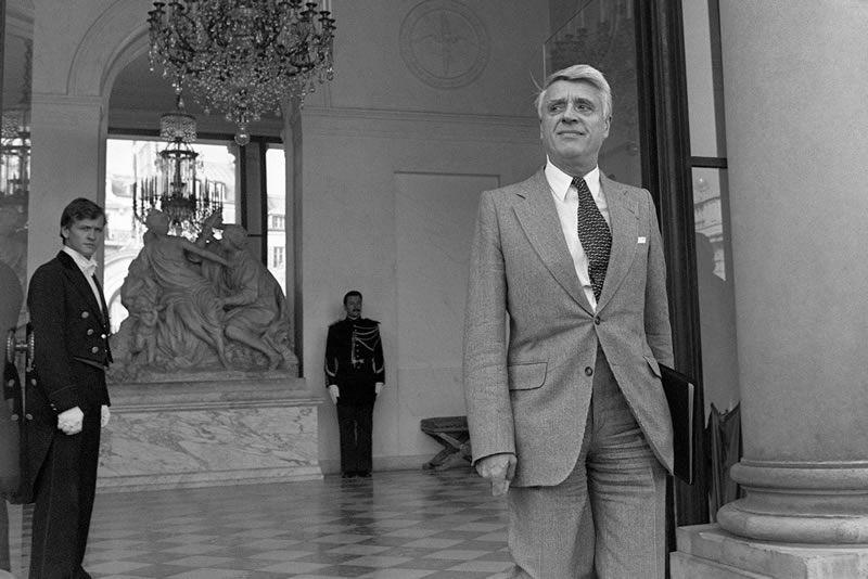 Robert Boulin, devant l'Élysée, le 26 septembre 1979. Photo Marcel BINH/AFP