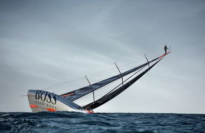 HUGO BOSS : Le Mast Walk par Alex Thomson