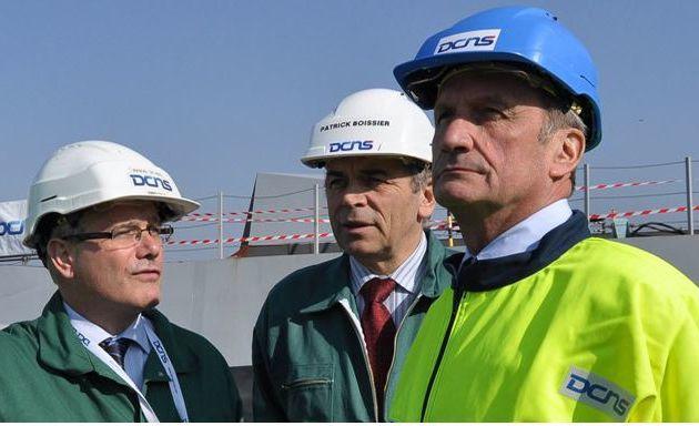 Le Ministre de la Défense en déplacement au chantier DCNS de Lorient