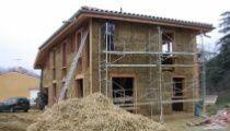 Construire une maison écologique en bois, paille, pierre, chaux, terre