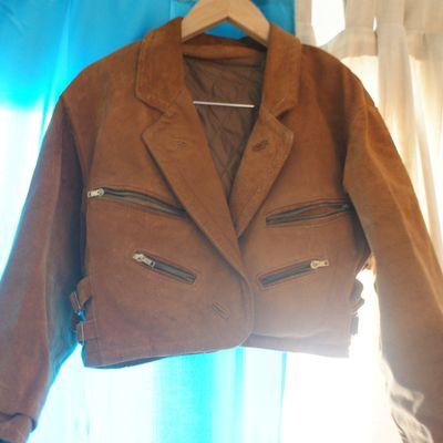 Veste en cuir vintage // 15 euros