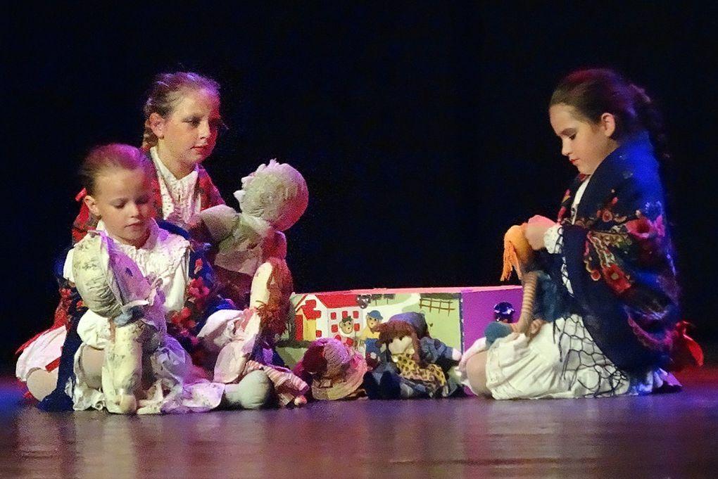 '' POLONIA DOUAI ''...POUR COMMÉMORER LE CENTENAIRE DE L'ARRIVÉE DES FAMILLES POLONAISES ...Acte n°2