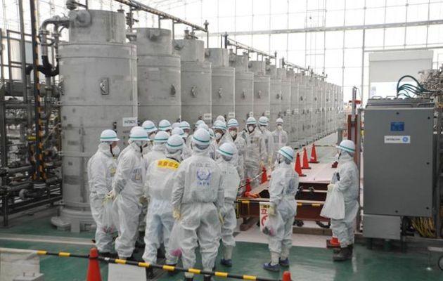 La solution ultime de l'industrie nucléaire est donc de se débarrasser de ce qu'ils ne savent pas ou ne peuvent pas retraiter.
