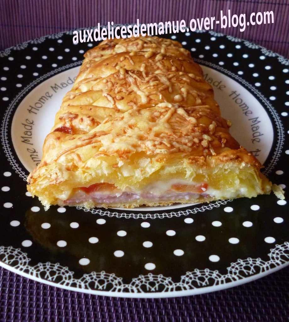 tresse feuilletée au jambon bacon tomate et fromages