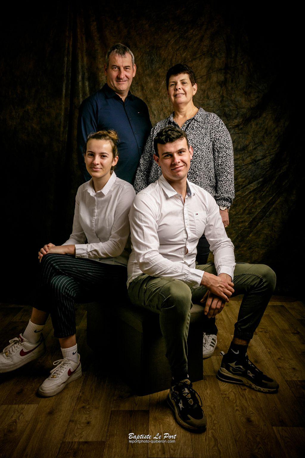 19 décembre - séance photo en studio pour un souvenir de famille
