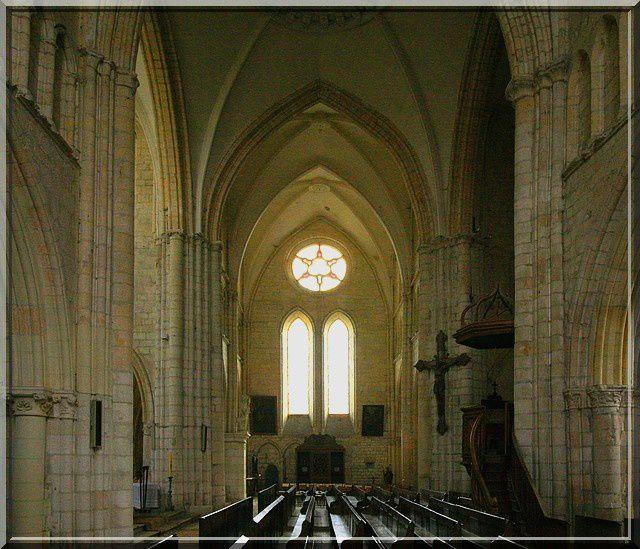 Diaporama église fortifiée de Montcornet