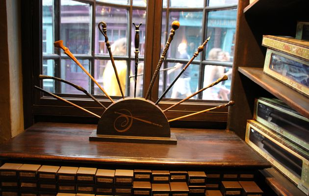 Ollivanders : The Wizarding World of Harry Potter