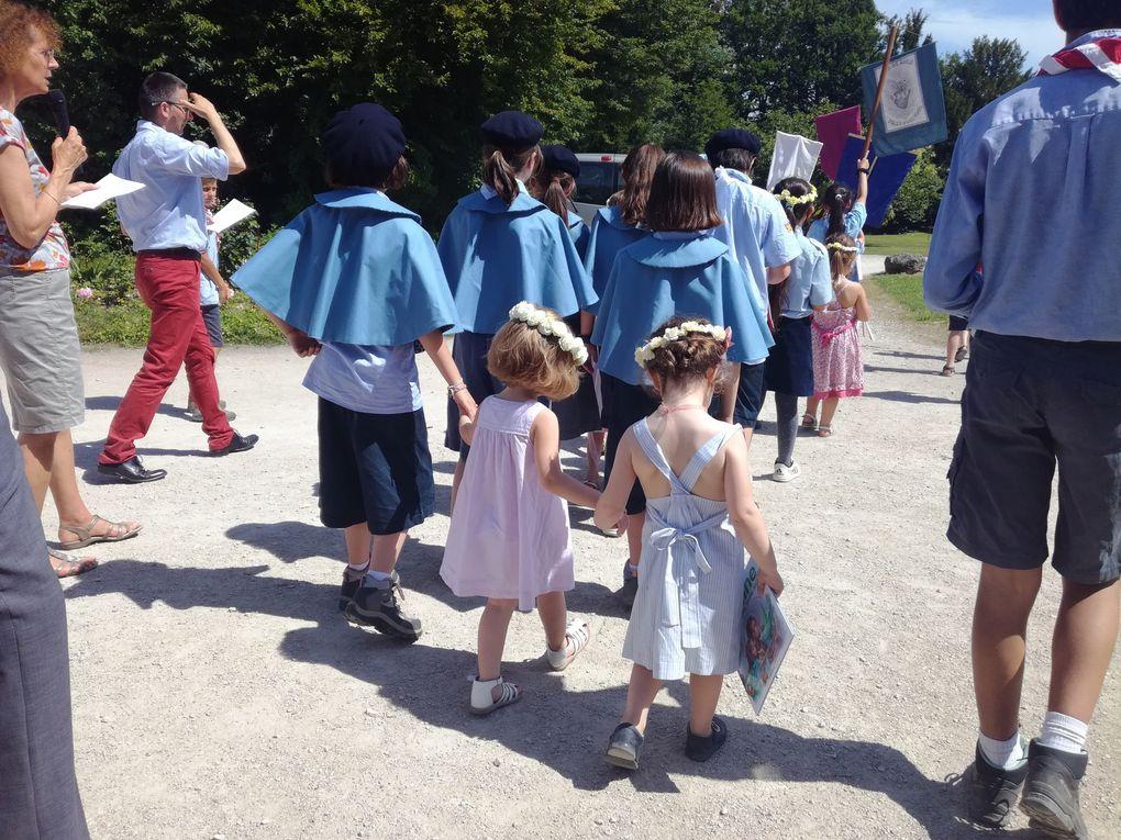 Photos  de la journée paroissiale et de la procession du 23/06/2019